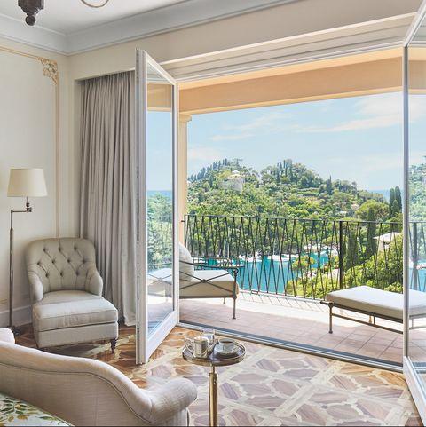 Room, Property, Furniture, Interior design, Living room, Ceiling, Building, Real estate, Home, House,