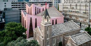 Así es la iglesia completamente rosa de China