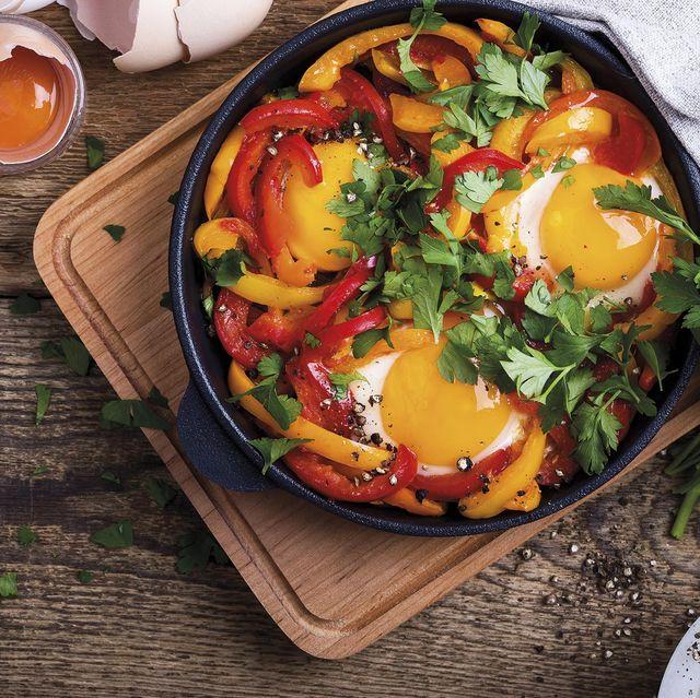 Huevos a la sartén con pimientos