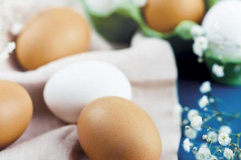 Huevos: Morenos y blancos