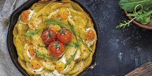Huevos con patatas al horno