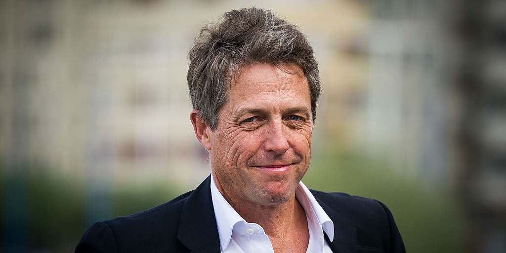 "Hugh Grant Reveals His ""Very Strange"" COVID-19 Symptoms After Testing Positive for Antibodies"