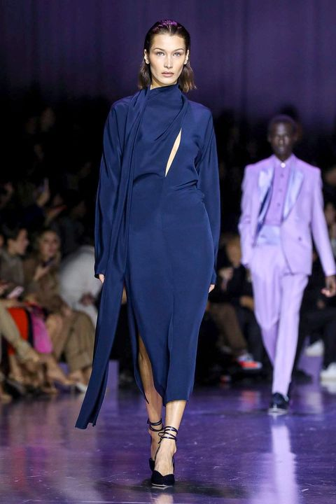 Fashion model, Fashion, Fashion show, Runway, Haute couture, Fashion design, Event, Public event, Electric blue, Suit,