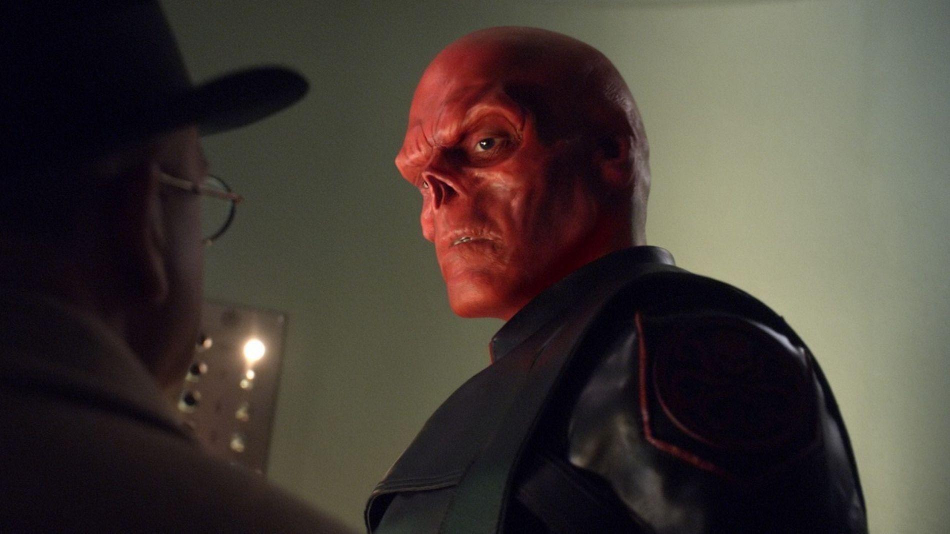 Hugo Weaving Ausencia Vengadores y Matrix 4 - Infinity War Smith