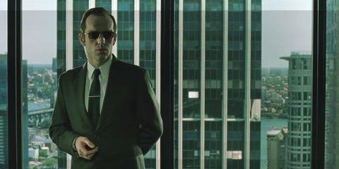 hugo weaving como el agente smith en matrix