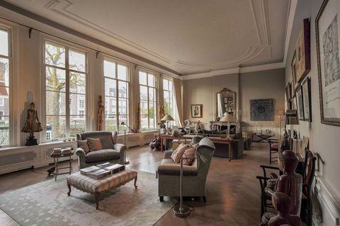 Room, Living room, Property, Interior design, Building, Furniture, House, Ceiling, Estate, Real estate,