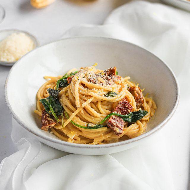 hummus spaghetti