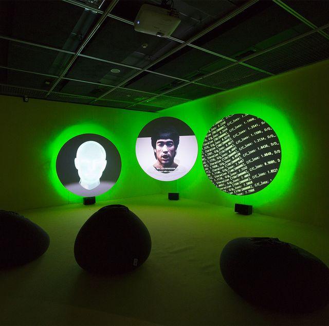 致穎《總是春光乍現》特展登陸台北當代藝術館!以影音媒材揭露「人臉辨識」的種族偏見