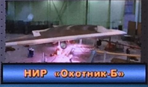 Table, Aircraft, Airplane, Vehicle, Scale model,