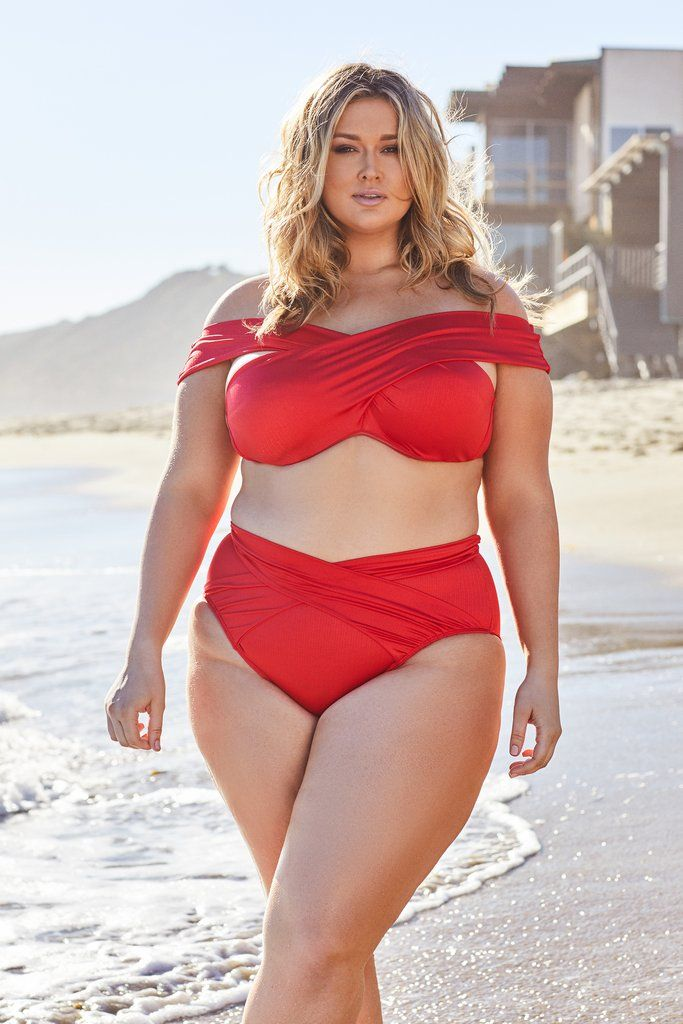 404f5aa240cc0 Plus-size Model Hunter McGrady has Launched a Swimwear Collection