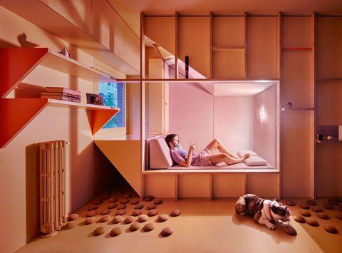Un apartamento pequeño con cápsula incluida en madrid por los arquitectos Husos