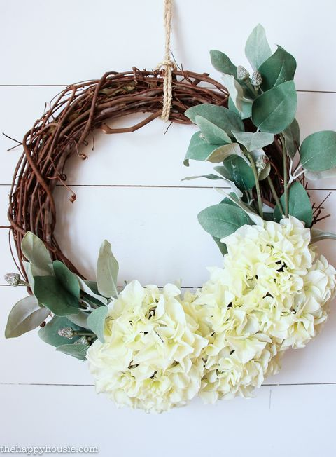 five minute hydrangea summer wreath