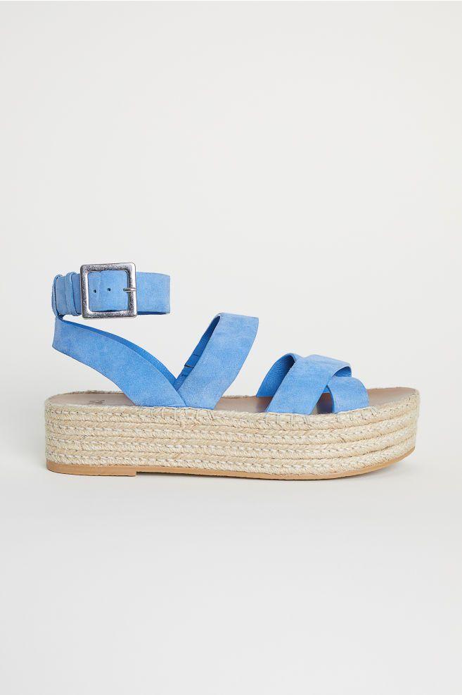 a7e40ebe Las sandalias que marcan tendencia este verano - Las sandlias que debes  guardar para comprar en rebajas