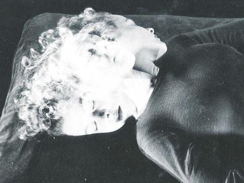 Jaw, Interaction, Monochrome photography, Monochrome, Black-and-white, Love, Romance,