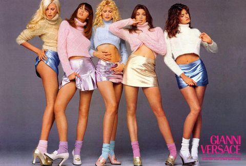 Leg, Mouth, Human leg, Thigh, Fashion, Denim, Knee, Sandal, Waist, Abdomen,
