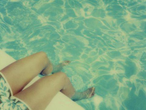 Water, Blue, Aqua, Turquoise, Vacation, Leg, Summer, Azure, Human leg, Sea,