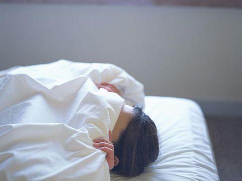 Comfort, Textile, Linens, Bed sheet, Bedding, Bedroom, Nap, Bed, Sleep, Mattress,