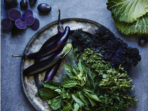 Mangiare cibi viola fa benissimo (e sta diventando virale)