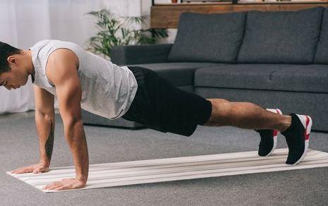 30日間, 100回の腕立て伏せ,100回の上体起こし,100回のスクワット,毎日続けて起きた,腹筋,変化と効果,100 press ups, 100 sit ups,100 squats,every day for a month,