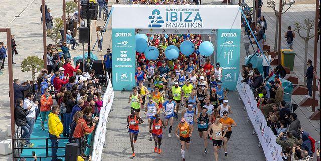 salida del santa eulària ibiza marathon
