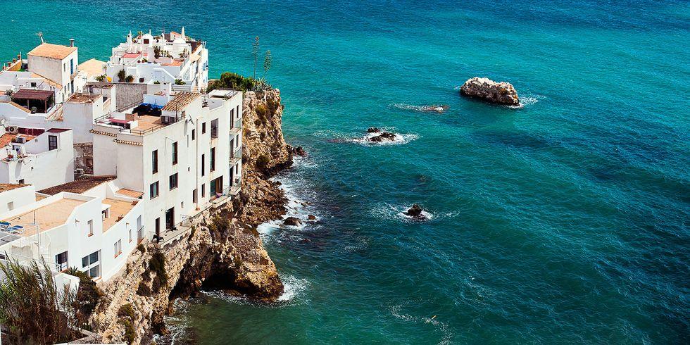 Ibiza se plantea cerrar su espacio aéreo este puente de la Hispanidad