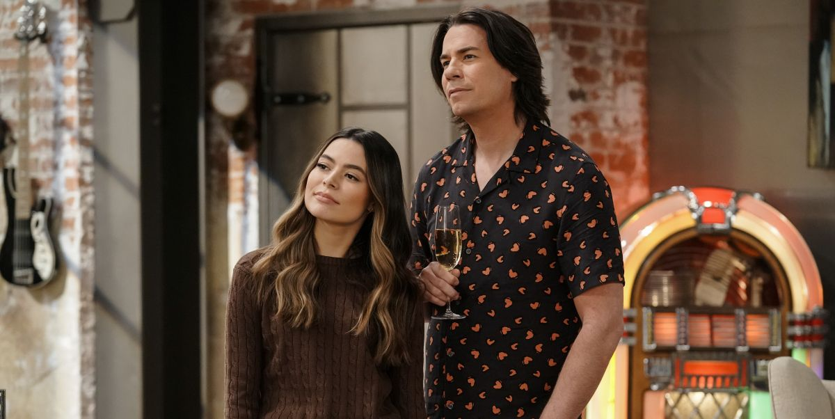 """""""iCarly"""" Revival Fans Might Be Surprised How Long the Show Is"""