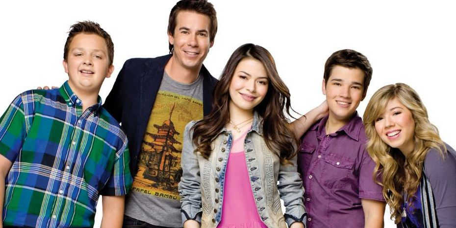 """I Carly Cast: Miranda Cosgrove Misses Her Entire """"iCarly"""" Cast Except"""