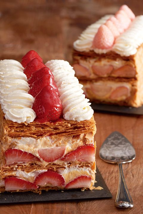 Food, Cuisine, Dish, Mille-feuille, Strawberries, Ingredient, Baked goods, Dessert, Strawberry, Pastry,