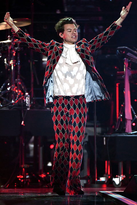 7330a29381 Harry Styles Suits Photos - Harry Styles Tour Outfits