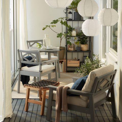 mesa con dos sillas bondholmen de ikea
