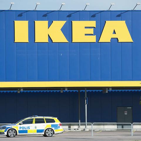 IKEA Hide and Seek Game in Glasglow, Scotland