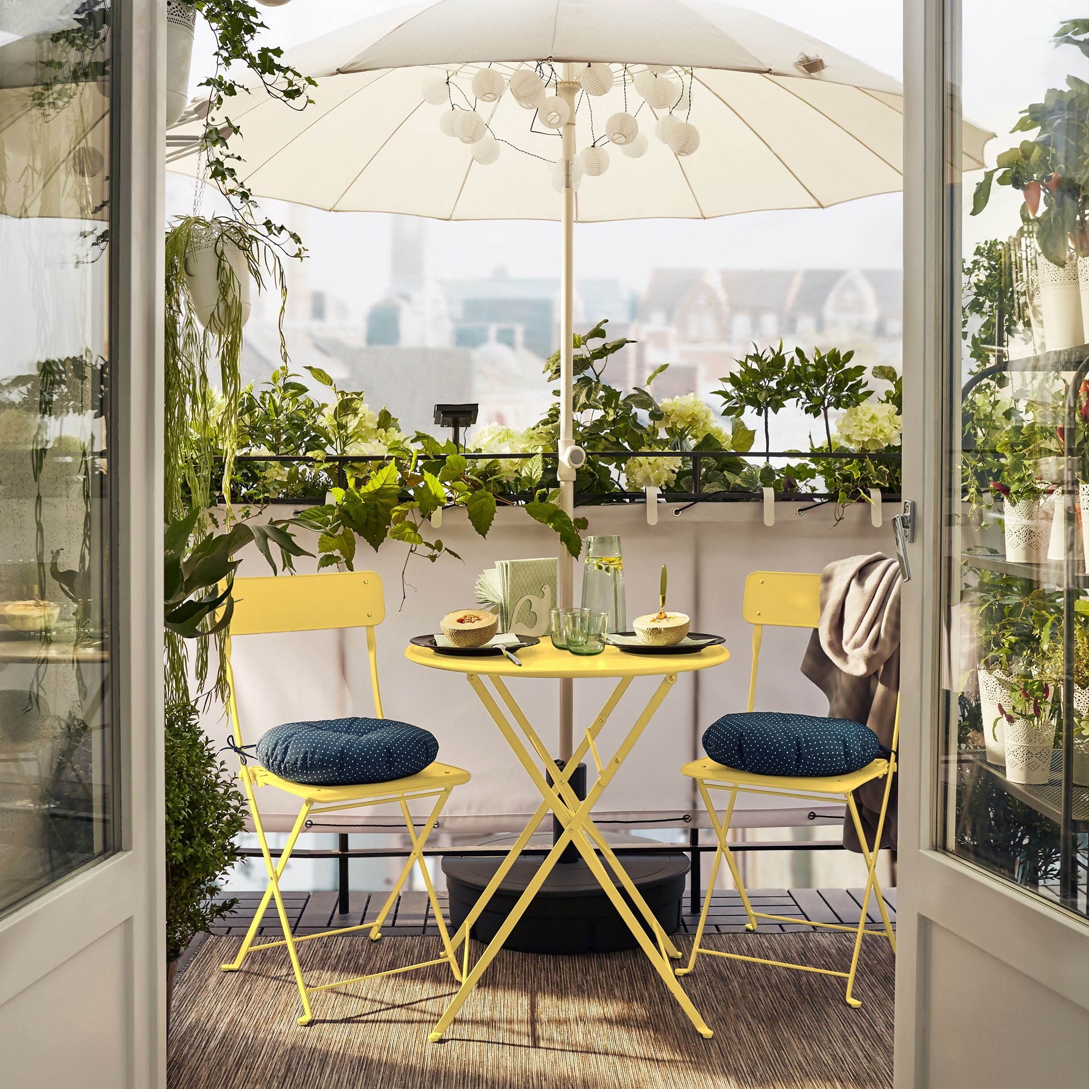 Charmant 8 Clever Balcony Furniture Pieces For Even The Smallest Of Spaces