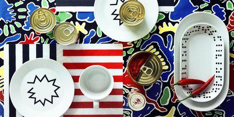 Dishware, Porcelain, Plate, Dinnerware set, Blue and white porcelain, Tableware, Platter, Serveware, Serving tray,