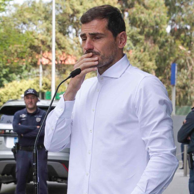 Iker Casillas sale del hospital