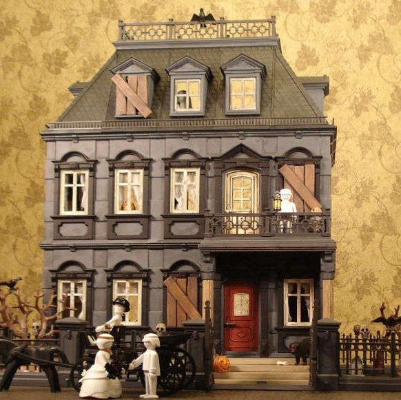 Etsy S Selling Haunted Mansion Dollhouses For Halloween