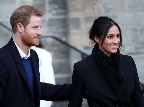 Il cappotto di Meghan Markle total black (prima di lei solo Lady Diana): too much?