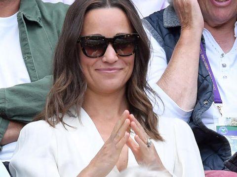 Pippa Middleton cappotto vestaglia e cappello: ecco perché era SPARITA