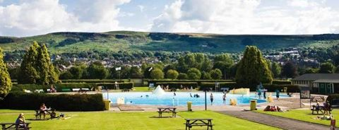outdoor pools near me