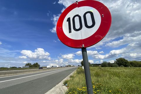 traffic brussels ring speed limit 100