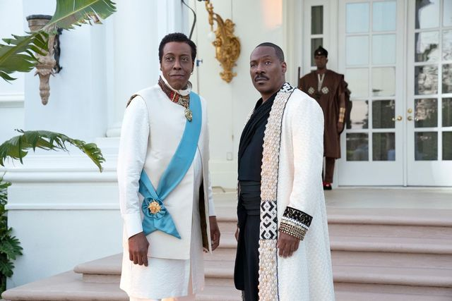 arsenio hall and eddie murphy pose in a still image of coming 2 america