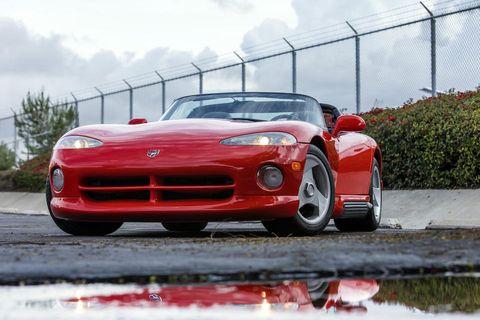 Land vehicle, Vehicle, Car, Sports car, Automotive design, Red, Dodge Viper, Performance car, Hennessey viper venom 1000 twin turbo, Supercar,