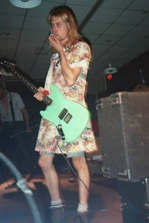 Rare Moments Of Kurt Cobain S Life Remembering The Artist On His Birthday