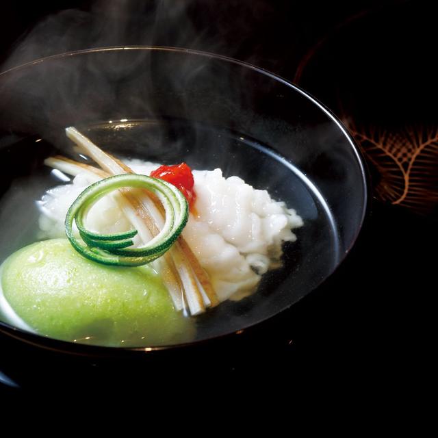鱧とうすい豆腐の吸い物