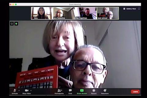 Videoconferencia de Esther y Nasser Ahmed con This Is We Show al creador Dan Fogelman y a los productores ejecutivos Vera Herbert y Jess Rosenthal en agosto de 2020