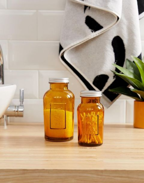 Mason jar, Product, Glass bottle, Bottle, Room, Honey, Wood, Glass, Kombucha, Drink,