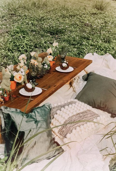 Table, Furniture, Tablecloth, Coffee table, Room, Interior design, Textile, Picnic, Outdoor table, Recreation,