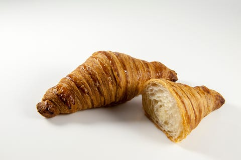 Croissant, Food, Viennoiserie, Dish, Cuisine, Baked goods, Pastry, Ingredient, Puff pastry, Sfogliatelle,