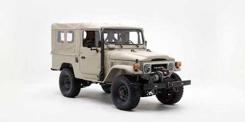 Land vehicle, Vehicle, Car, Automotive tire, Automotive exterior, Toyota land cruiser, Hardtop, Bumper, Sport utility vehicle, Tire,
