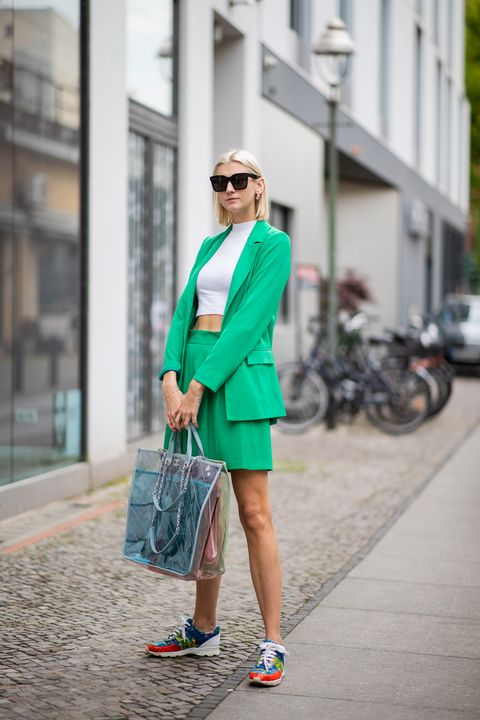 9 Ways To Pair Sneakers With Skirts And Dresses How To Wear Sneakers