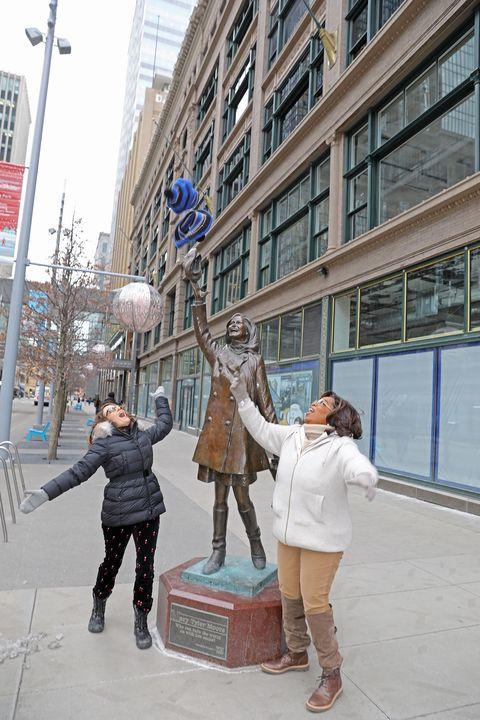 Photograph, Snapshot, Statue, Sculpture, Tourism, Architecture, Pedestrian, Vacation, City, Photography,